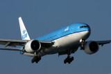 KLM BOEING 777 200 KIX RF IMG_2088.jpg