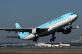KOREAN AIR AIRBUS A330 300 KIX RF IMG_8618.jpg