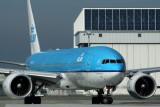 KLM BOEING 777 200 KIX RF IMG_8694.jpg