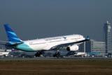 GARUDA INDONESIA AIRBUS A330 300 KIX RF IMG_8564.jpg