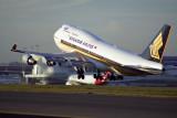 SINGAPORE AIRLINES BOEING 747 400 SYD RF 1471 17.jpg