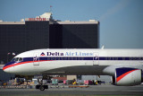 DELTA BOEING 757 200 LAX RF 1506 16.jpg