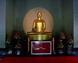 Wat Phra Dhammakaya, Buddha image