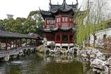 Discovering the huge city of Shanghai