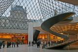 2006 - Le Louvre et ses pyramides