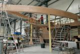 Construction du maxi trimaran Groupama 3 au chantier Multiplast de Vannes