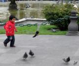 2011_02_02 Ninos con Pigeons