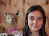 Alessia: lynx-eyed girl ...