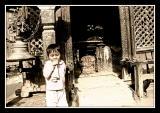 enfant au temple de ganesh.