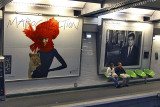 In the Metro - love the colors !.jpg