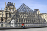 I.M. Pei's Louvre Pyramid with Louvre.jpg