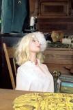 02_w_blonde_in_white.JPG