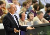 North Carolina Tar Heels Head Coach Roy Williams disputes a call