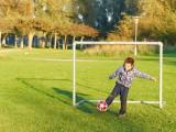 2010-10-10 Oliver kicking