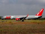 Boeing 757-200  G-LSAC