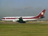 A340-200  A6-HHK