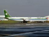 B707-320  HZ-HM2