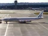 B707-320  VP-WKU
