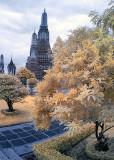 Beautifully landscaped  Wat Arun.
