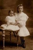 Dentelles pour deux soeurs belges