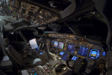 737 flightdeck at night
