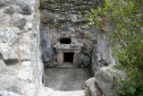 Bet She'arim: Burial Cave of Itzak Zaira, son of Shimon - in the necropolis. Hole above the entrance - how robbers entered.