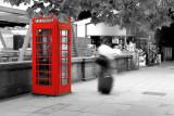 london phone box black and white
