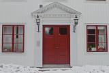 Red door - white house.