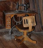 Singer Sewing Upright - with Peddle