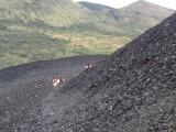 Climbing Cerro Negro (active) vulcano