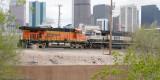 BNSF 6015 SB @ Denver w/ BNSF Bethgons