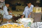 Preparing Kulche in Muzaffarabad