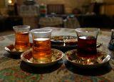 Tea and cookies i Golestan Museum