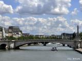 Seine Pont Bateau.jpg