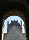 Louvre Entree Pyramide.jpg
