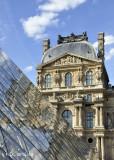 Louvre Pyramide.jpg