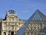 Louvre Pyramide 2.jpg