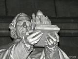 SC Statue 2.jpg