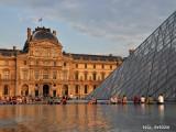 Louvre Reflet.jpg