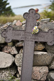 Här finns många fina gamla gravstenar.