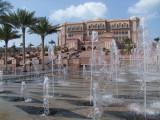 Fountains Emirates Palace Abu Dhabi.jpg