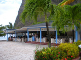 Alfresco dining at the resort