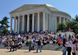 Holiday crowds, Jefferson Memorial