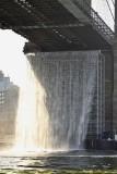 Artifical Watterfalls at Brooklyn Bridge - close-up