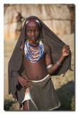 Niña Arbore posando  -  Arbore girl posing