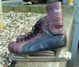 Vieux patins à glace...