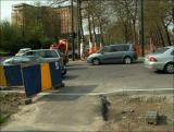 3/5/2006 - En arrivant de Debroux, les vélos ne voient pas les voitures derrière les panneaux... et inversément !