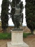 Monument a Cèsar August al Passeig Arqueològic