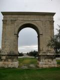 Arc de Berà a la antiga Via Augusta