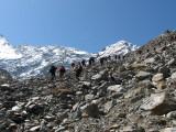 IMG_9533 on grimpe sur la moraine_1.JPG